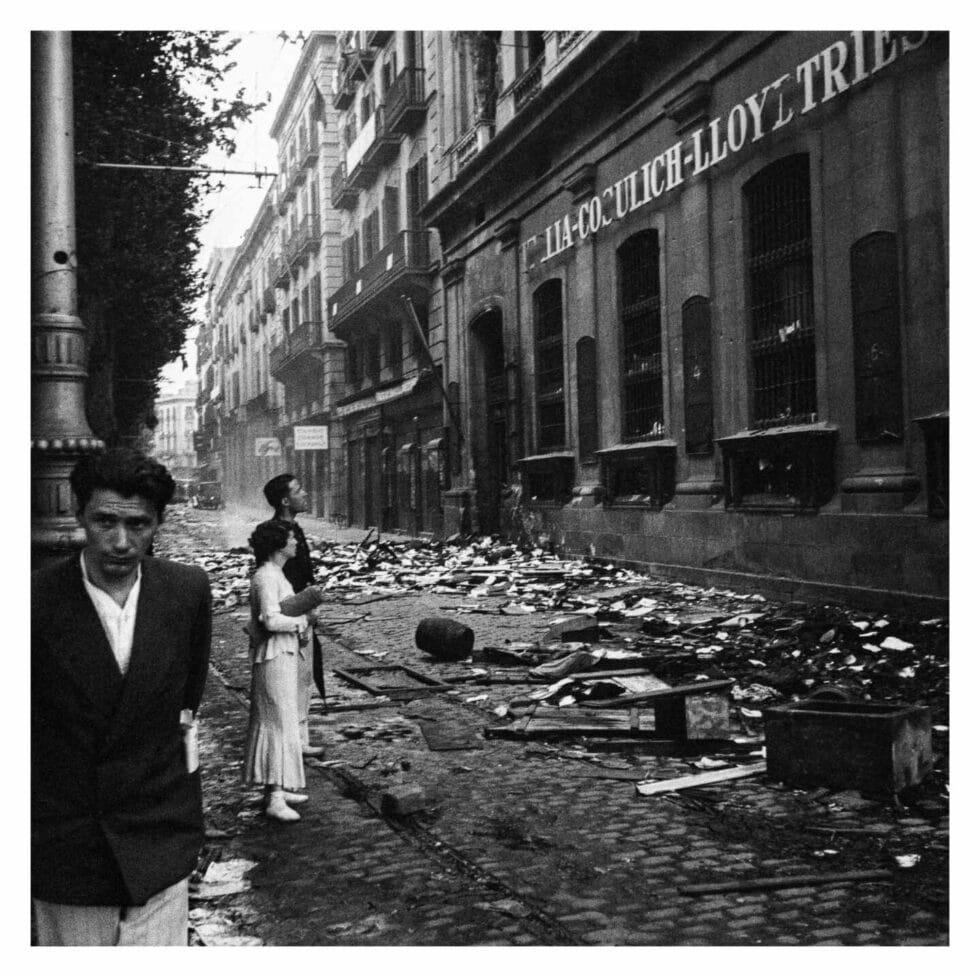 . Sin título [Saqueo de las oficinas de la Italia-Cosulich-Lloyd Triestino, Barcelona, 1936. Arxiu Campañà