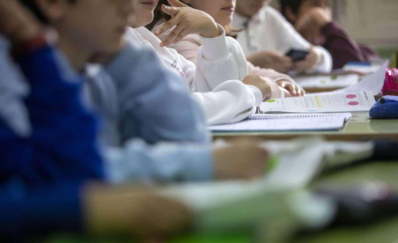 Alumnos en un centro escolar.