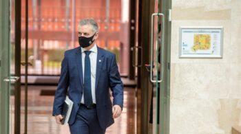 Urkullu abre la libre movilidad en Euskadi y alerta del freno en el descenso de casos