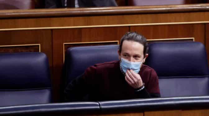 Iglesias entrega el acta de diputado para centrarse en el 4-M