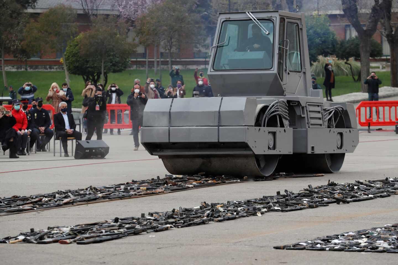 Acto de destrucción de armas de ETA y GRAPO.