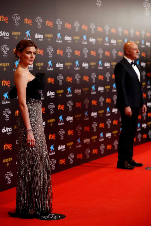 La actriz Marta Nieto y el actor Roberto Álamo a su llegada hoy Sábado a la gala de la 35 edición de los Premios Goya
