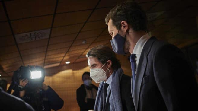 José María Aznar y Pablo Casado, en la Universidad Francisco de Vitoria.