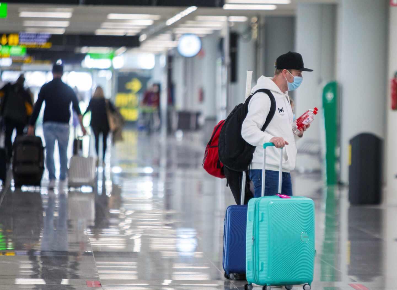 Llegada de vuelos procedentes de Alemania en el aeropuerto de Son San Joan de Mallorca.