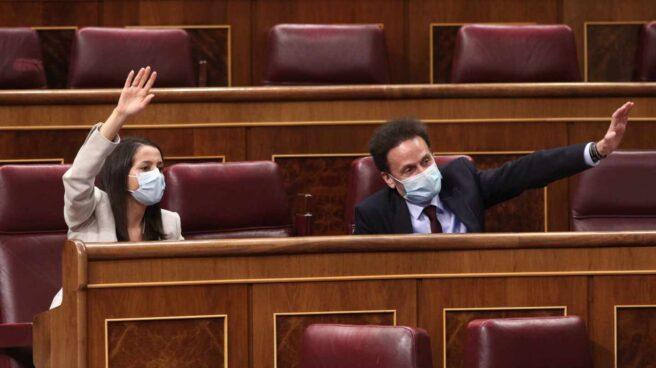 La presidenta de Ciudadanos, Inés Arrimadas; y el candidato a la presidencia de la Comunidad de Madrid, Edmundo Bal.