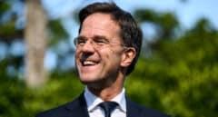 Mark Rutte enfila su cuarto mandato y su coalición de gobierno revalida su mayoría