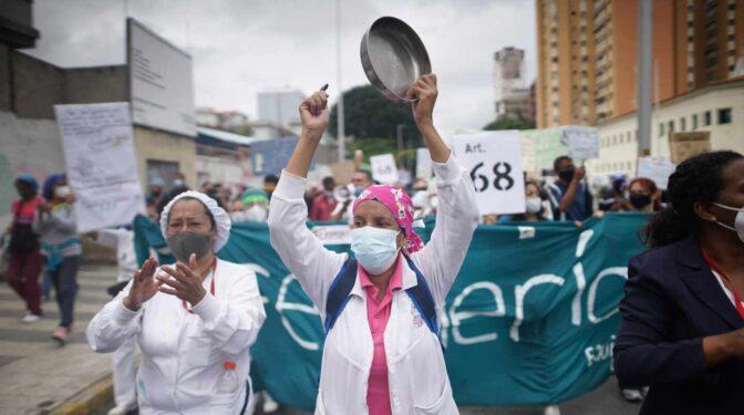 Amnistía denuncia la muerte de más de 17.000 sanitarios en todo el mundo