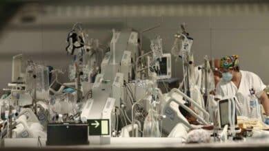 Sanidad notifica 21.387 casos, 87 muertes y la incidencia baja otros 18 puntos