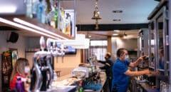 El recorte de horarios en los bares andaluces entrará en vigor el domingo