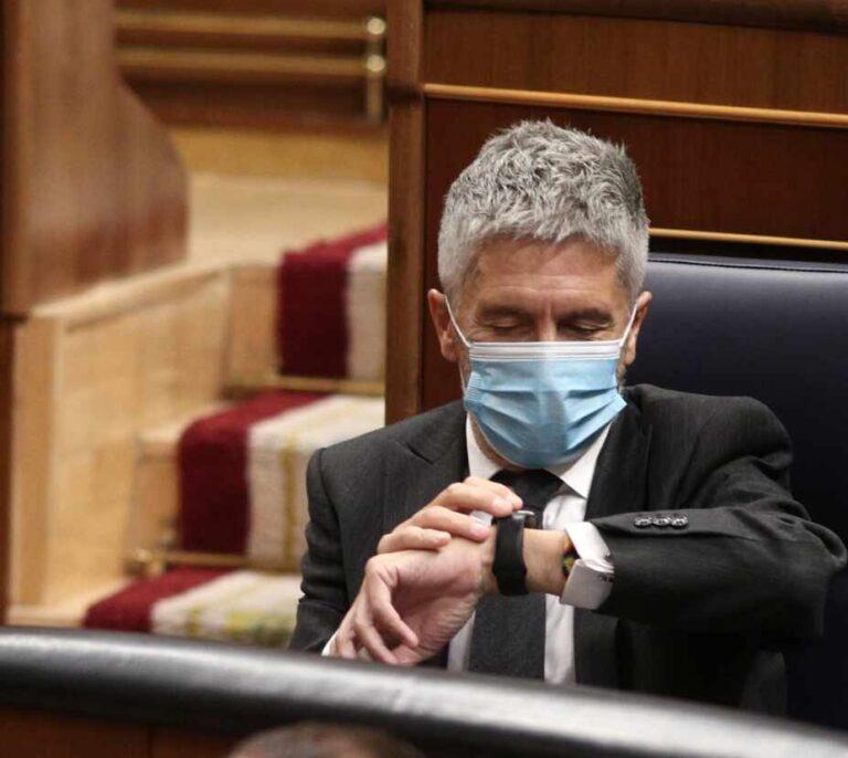 """Marlaska quiere """"devolver la decencia"""" a Interior tras la etapa del PP: """"No voy a dimitir por más que hagan ruido"""""""