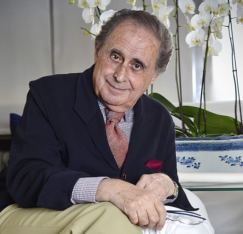 Jaime Peñafiel presenta 'Los reyes también lloran', un nuevo retrato de las luces y sombras de Juan Carlos I.