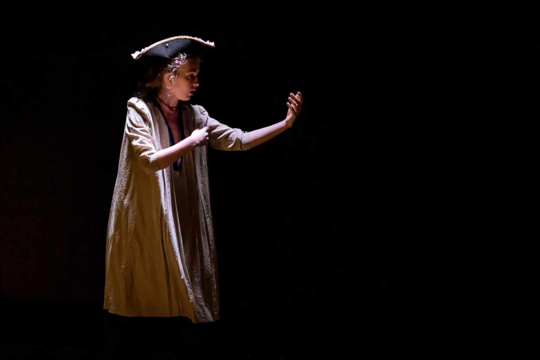 Una escena de la obra 'Hannah Arendt en tiempos de oscuridad'
