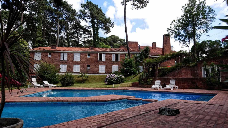 El uruguayo Hotel Saint-Pierre (antes Don Pepe), que Villarejo vendió al arquitecto argentino Adrián Beloso-Baker en 2013.