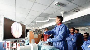 Ser operado de la columna y salir recuperado en menos de 24 horas es posible