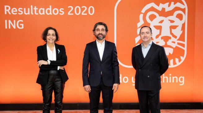 Almudena Román, directora general de banca retail en ING España y Portugal; Ignacio Juliá, Consejero Delegado de ING España y Portugal y Cristóbal Paredes, director general de banca corporativa e inversión en ING