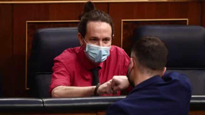 Pablo Iglesias y Gabriel Rufián, en el Congreso.