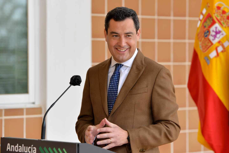 El presidente andaluz, Juanma Moreno Bonilla, en una rueda de prensa.