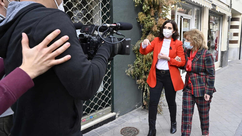 'La Campos móvil' recorrerá la vida profesional y sentimental de Ayuso