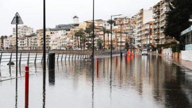La lluvia azota la Región y provoca arrastres de vehículos en Águilas