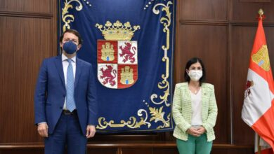 El Gobierno se abre a revisar las mascarillas al aire libre un día después de hacerlas obligatorias