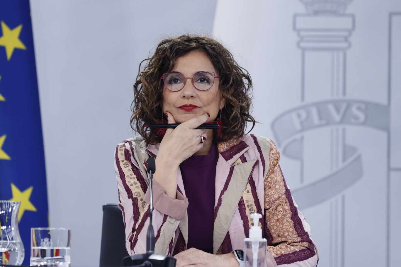 La ministra de Hacienda y portavoz del Gobierno, María Jesús Montero, da una rueda de prensa.