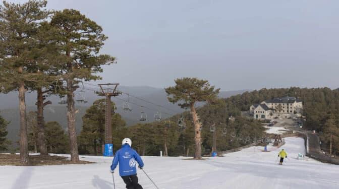 La estación de esquí de Navacerrada cerrará por completo tras obligarle el Gobierno a desmantelar tres pistas