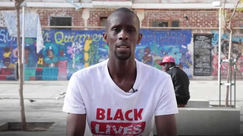 Así es Serigne Mbaye, el mantero que ha fichado Iglesias para su lista del 4-M