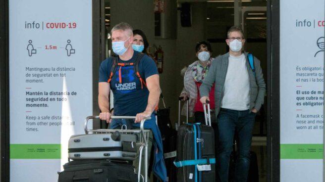 Llegada de turistas al aeropuerto de Palma de Mallorca.