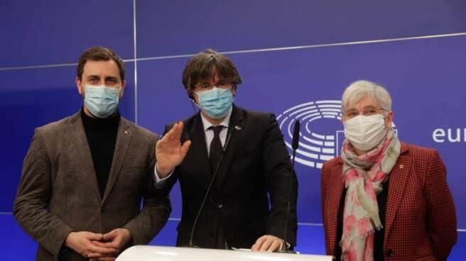 Comín, Puigdemont y Ponsatí, en Bruselas.
