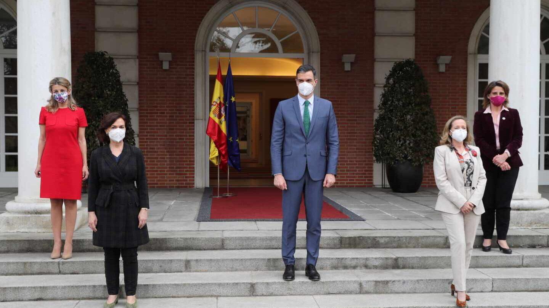 """Sánchez: """"Somos el único gobierno del mundo con cuatro mujeres vicepresidentas"""""""