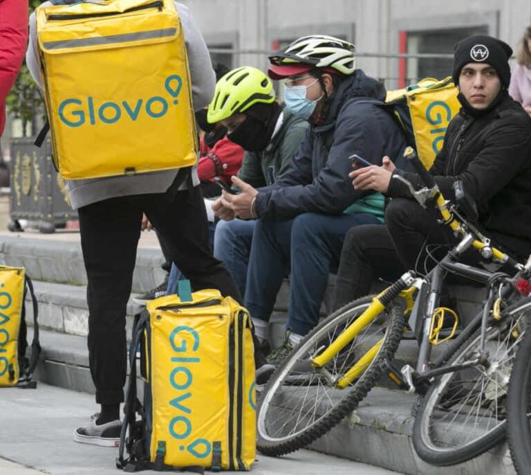 El Gobierno aprueba la ley de 'riders' que los reconoce como asalariados