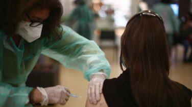 Madrid advierte que más del 62% de los citados rechazaron ayer la vacuna de AstraZeneca