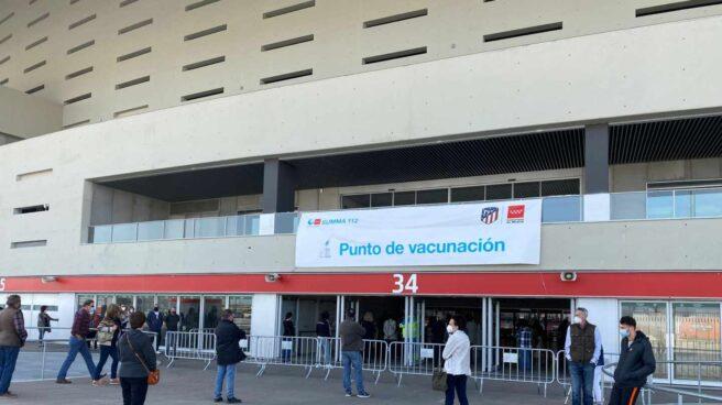 Vacunación en el estadio Wanda Metropolitano de Madrid.