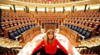 """Bea Fanjul (PP): """"Estoy orgullosa de que personas con la fuerza moral de Álvarez de Toledo estén en el PP"""""""