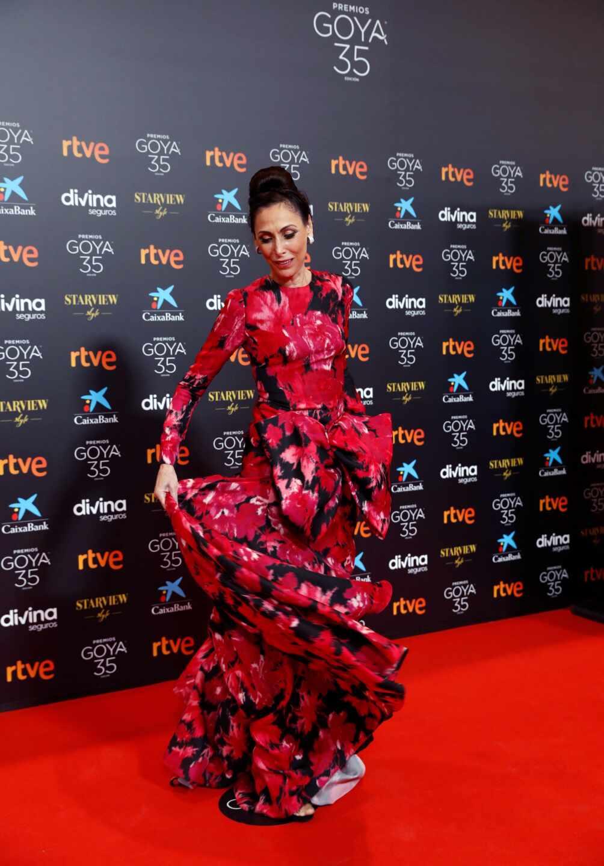 La actriz María Barranco, a su llegada a la gala de la 35 edición de los Premios Goya