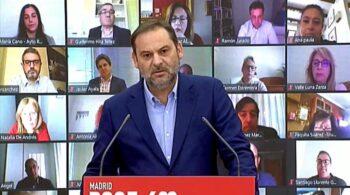 """Ábalos arremete contra """"la compra de tres tránsfugas"""" como """"esclavos"""" en Murcia"""