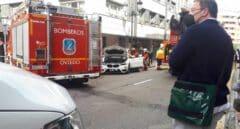 Un conductor fallece por un infarto y provoca un accidente en Oviedo