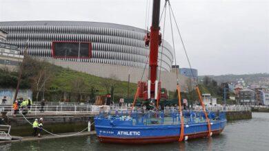 El Athletic prueba la flotabilidad de su 'Gabarra' y el Gobierno ve riesgo en sacarla