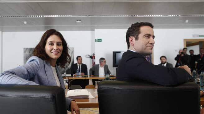 La presidenta de la Comunidad de Madrid, Isabel Díaz Ayuso; y el secretario general del PP, Teodoro García Egea, en una fotografía de archivo