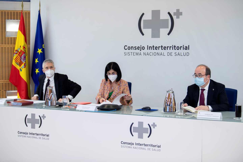 La ministra de Sanidad, Carolina Darías, preside junto al ministro del Interior Fernando Grande Marlaska y el ministro de Política Territorial y Función Pública, Miquel Iceta,
