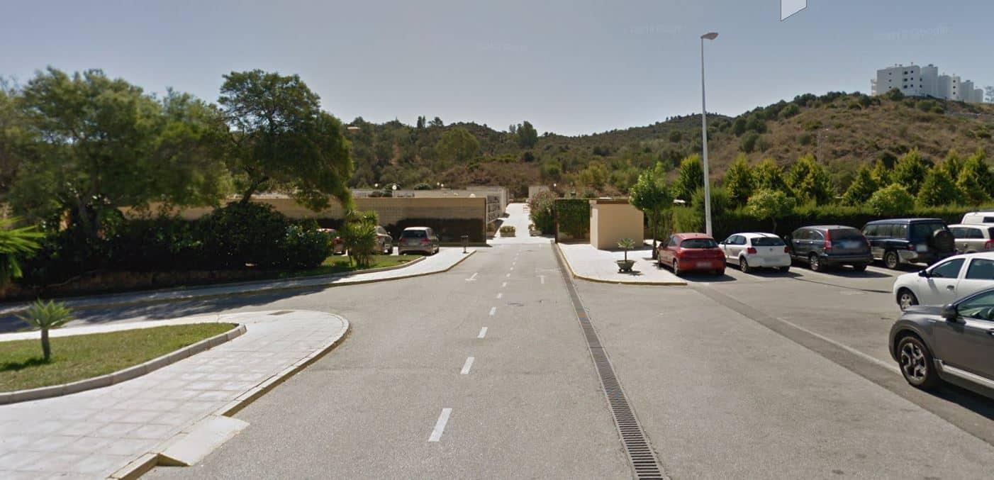 Parking del cementerio de Fuengirola.
