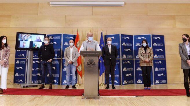 Los procuradores de Ciudadanos en Castilla y León, durante una rueda de prensa.