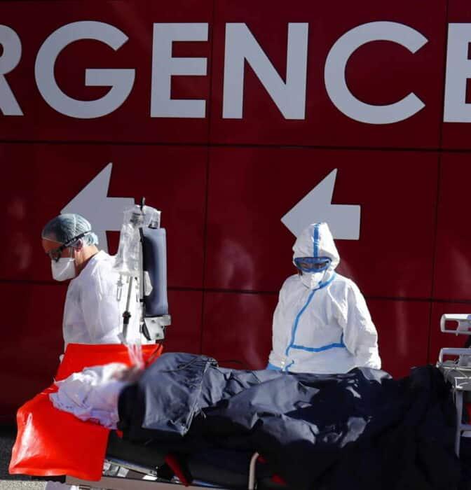 """La ola de contagios en Francia amenaza con salpicar a España: """"No nos estamos protegiendo"""""""