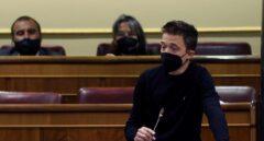 Errejón critica la mascarilla obligatoria al aire libre días después de votar a favor en el Senado y en el Congreso