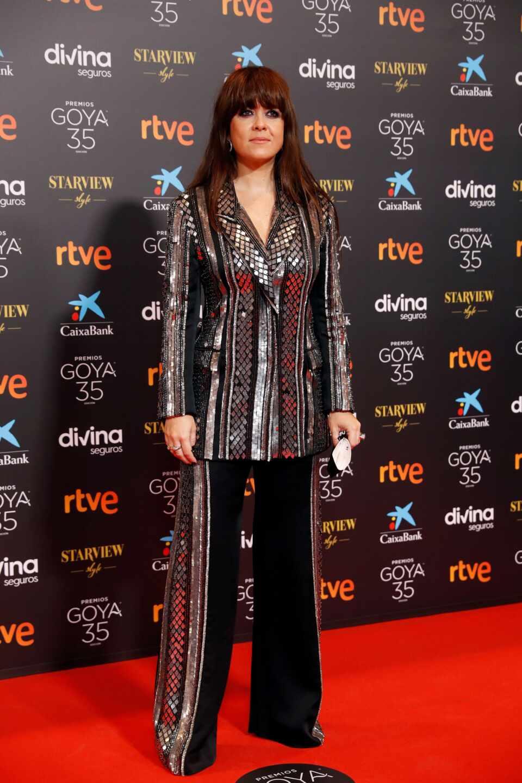 La cantante Vanesa Martín a su llegada hoy Sábado a la gala de la 35 edición de los Premios Goya