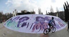 La réplica del mural feminista de Ciudad Lineal amanece vandalizado antes del 8-M