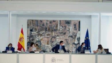 Sánchez permite a Iglesias compaginar un mes la campaña en Madrid y la vicepresidencia