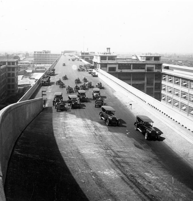La fábrica de Lingotto: cuando Fiat probaba sus coches en el circuito de la azotea