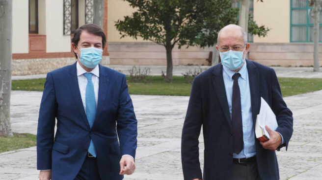 El presidente de la Junta de Castilla y León, Alfonso Fernández Mañueco, y el vicepresidente, Francisco Igea