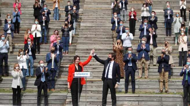 La presidenta de la Comunidad de Madrid, Isabel Díaz Ayuso, junto a Pablo Casado en la presentación de su lista para el 4-M.